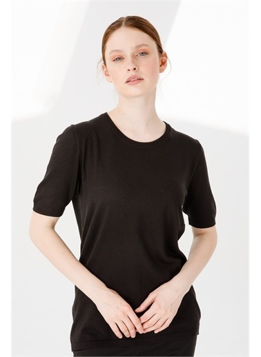 Desen Triko Kadın Lıkralı Kısa Kollu Sıfır Yaka Düz Bluz Kemık Siyah